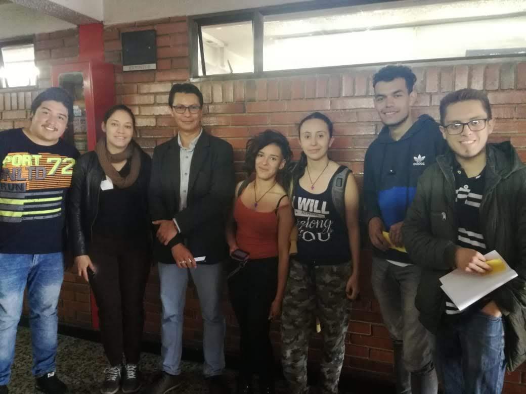 Estudiantes que participaron en la actividad: En los zapatos de...