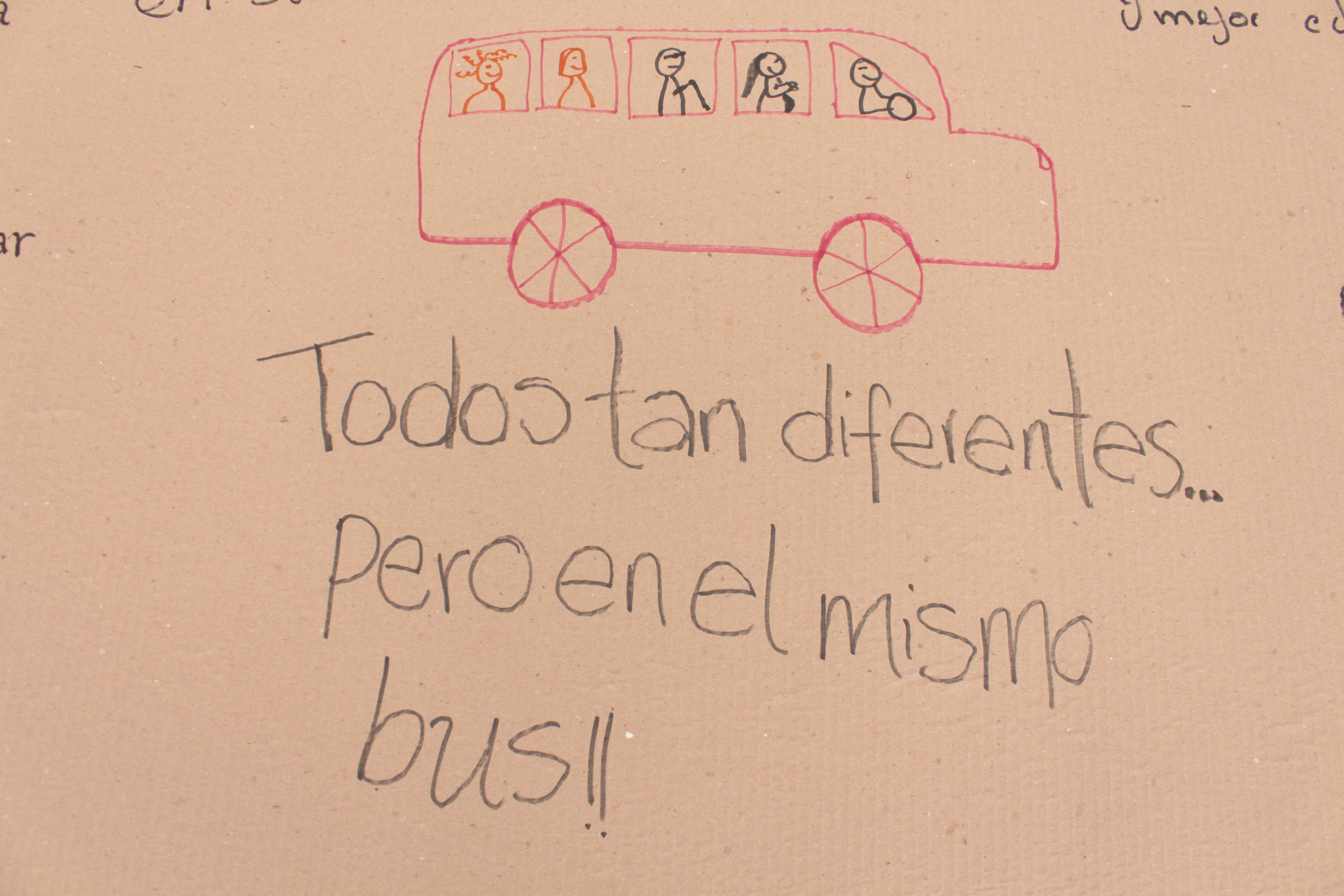 Todos tan diferentes... pero en el mismo bus!